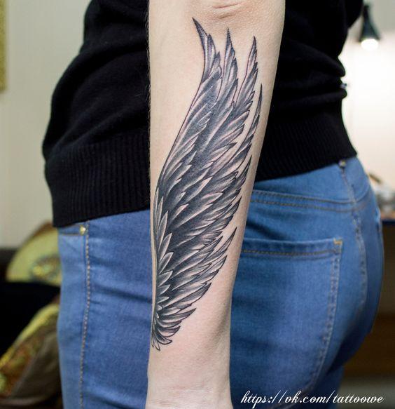 1af89e3a5c85b31787d883f2674a3b24 25 Diseños de Tatuajes de Alas en los Brazos