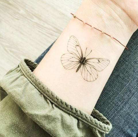 Cómo proteger tus tatuajes del sol