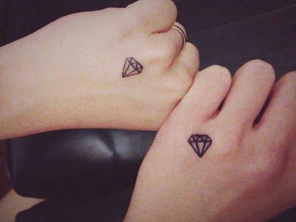Pequeños tatuajes que podrian ser el mejor secreto de tu cuerpo