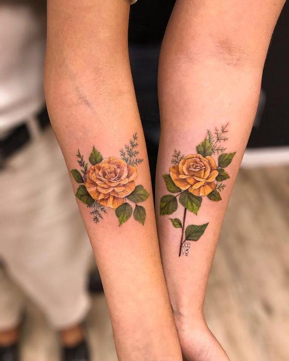 tatuajes rosas amarillas 14 45 Asombrosos Diseños de Tatuajes de Rosas Amarillas que Necesitas Ver