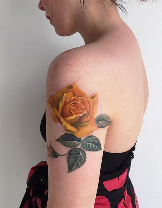 tatuajes rosas amarillas 3 45 Asombrosos Diseños de Tatuajes de Rosas Amarillas que Necesitas Ver